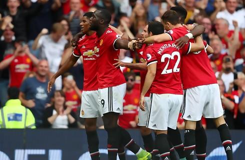Lukaku-show gav United stor åbningssejr