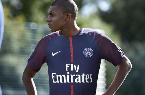 Officielt: Mbappe skifter til PSG