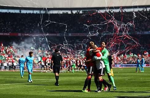 Effektive Feyenoord holder snor i PSV og Ajax