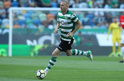 35-årige Mathieu fortsætter i Sporting