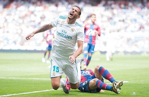 Real Sociedad låner Theo Hernandez