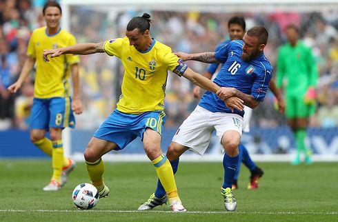 Ibrahimovic går hårdt til Sveriges landstræner
