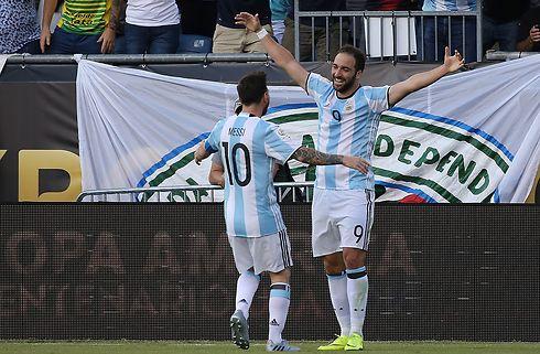 Messi roser: Higuain skal på landsholdet igen