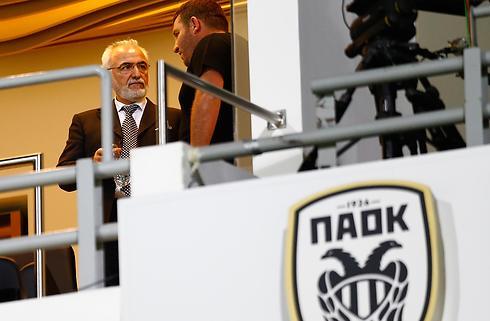 PAOK-præsident undskylder baneinvasion