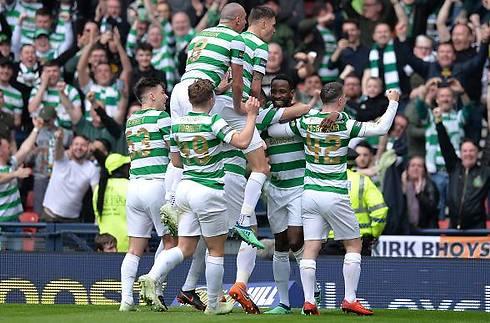 Celtic baskede Rangers og er i pokalfinalen
