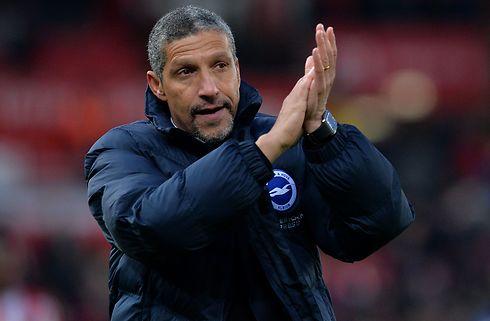 Brighton forlænger aftalen med Chris Hughton