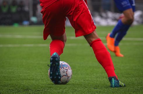 Huesca bryder med rutineret midtbanemand