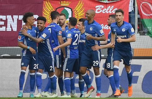 PSG køber stopper i Schalke