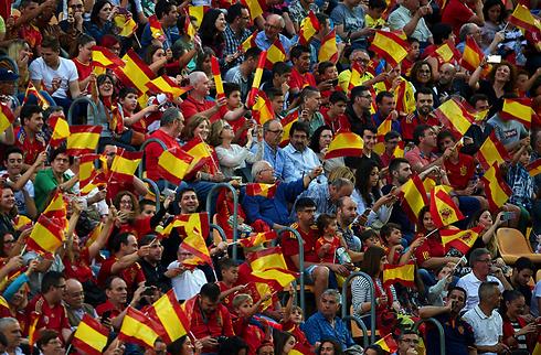 VM-bolden ruller: Iberisk brag i Sochi