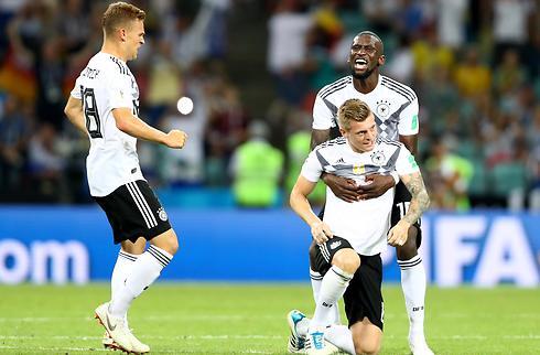 Tyskland sejrede i sidste sekund mod Sverige