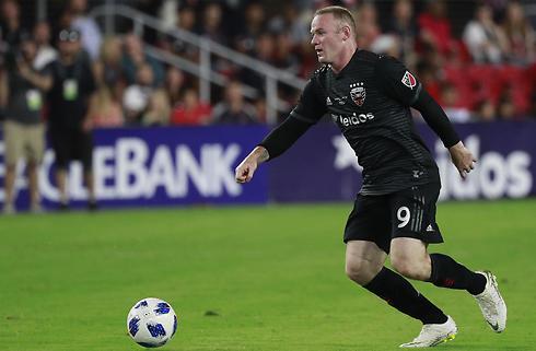 Ousted-selvmål og Rooney-assist i vild sejr