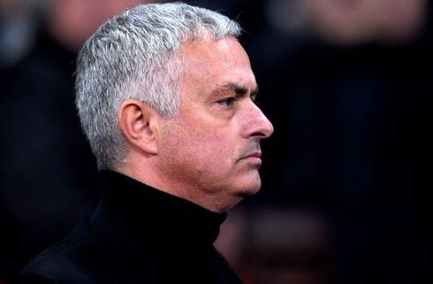 Arbejdsløs Mourinho vil overveje næste skridt
