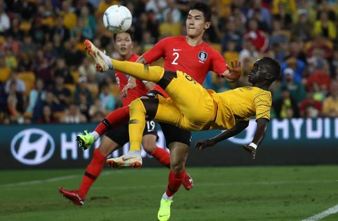 Asian Cup-mestrene har kniven for struben
