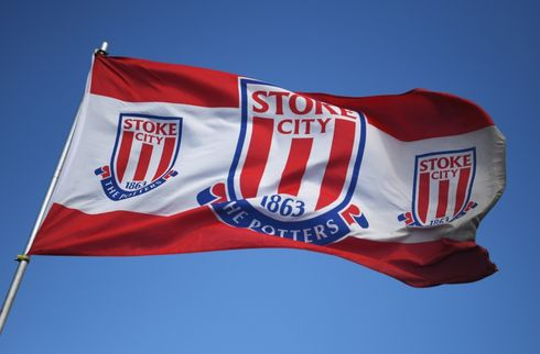 Stoke præsenterer fem nye spillere