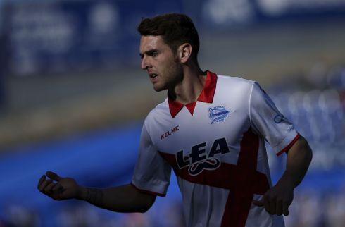Athletic henter kantspiller hjem fra Alaves