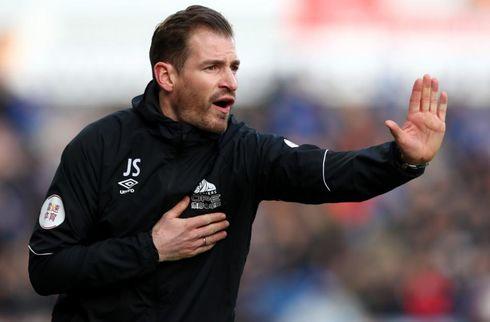 Huddersfield-boss varsler trup-ændringer