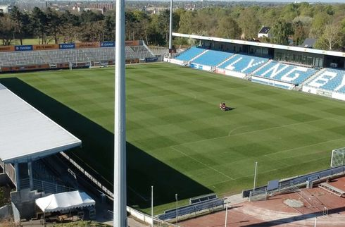 Lyngby-ejere vil selv renovere stadion