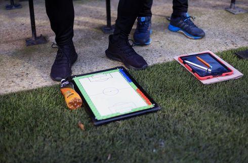 Ligue 1-oprykker skiller sig af med cheftræner