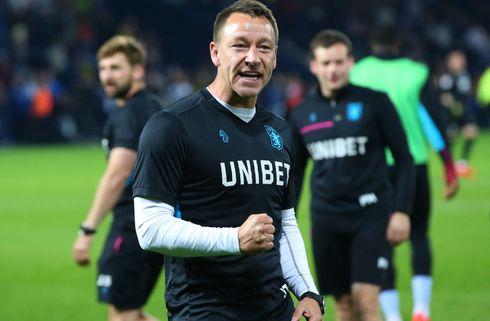 John Terry forlænger med Aston Villa