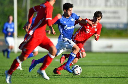 Schalke 04 forfremmer 18-årig til førsteholdet