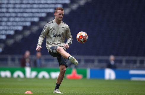 Ajax sælger midtbanemand til AZ Alkmaar