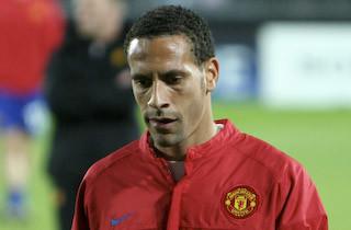 Ferdinand langer ud efter Hodgson
