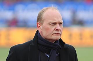 Niels F: Overmatchet på dødbolde