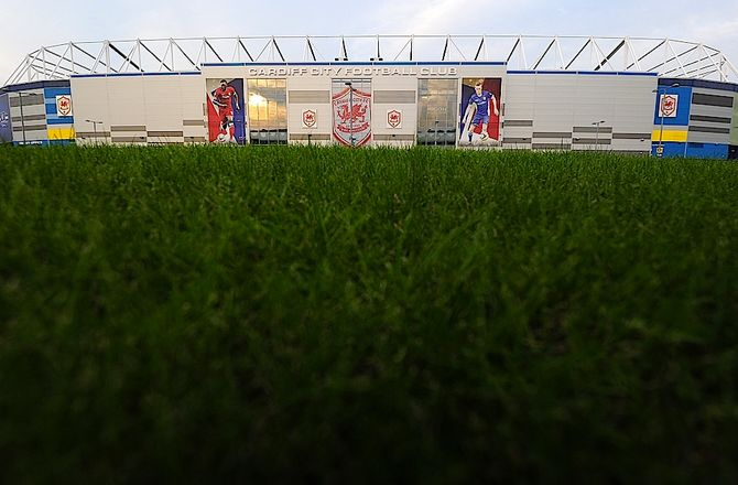 England -Cardiff henter forsvarer i Middlesbrough