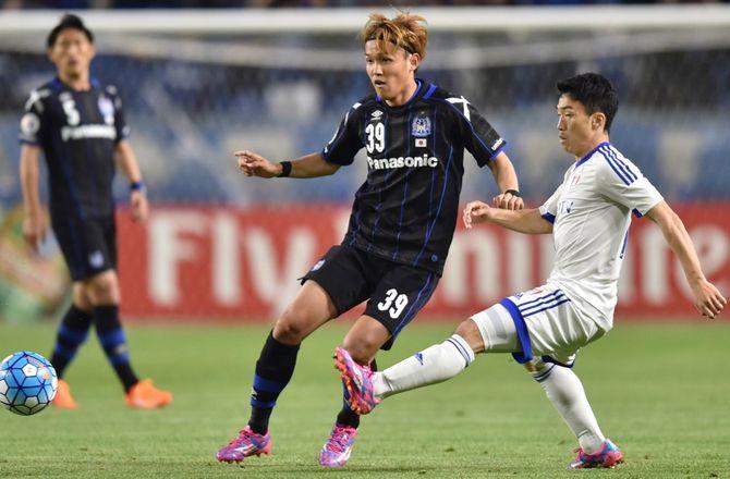 International -Bundesliga-japaner tager hjem til Osaka